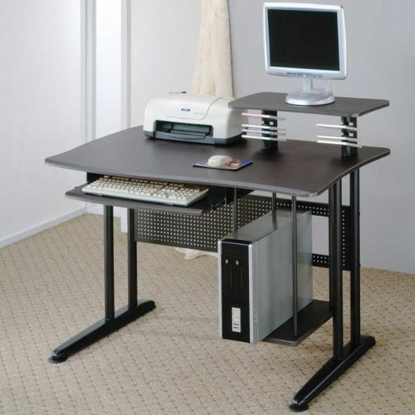 طاولة بلون اسود للكمبيوتر