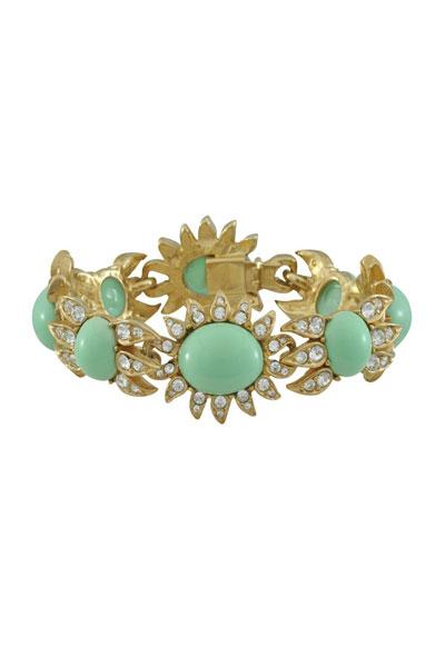 اكسسوارات ذهبية مرصعة بالأحجار الكريمة Golden-bracelet-Cine