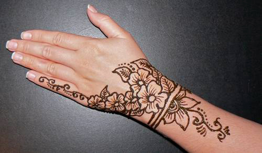 Small Henna Wrist Tattoos Sea Turtle And Lotus Infinity: الرسم بالحنة