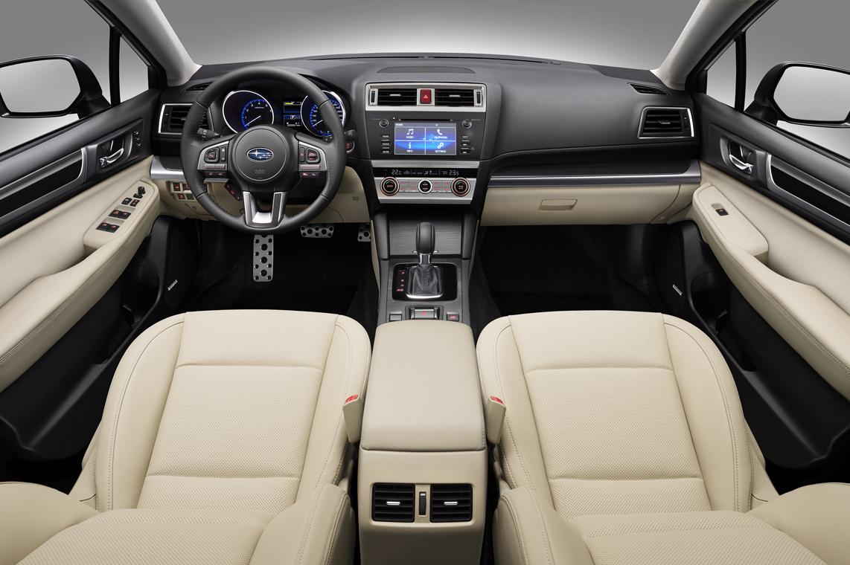 المظهر الداخلي للسيارة سوبارو ليجاسي 2015
