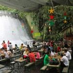 مطعم الشلال في الفلبين