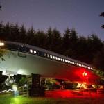 منزل طائرة بوينغ 727 في غابة