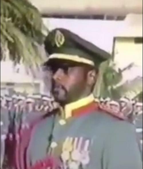 العميد عسيري في عرض عسكري