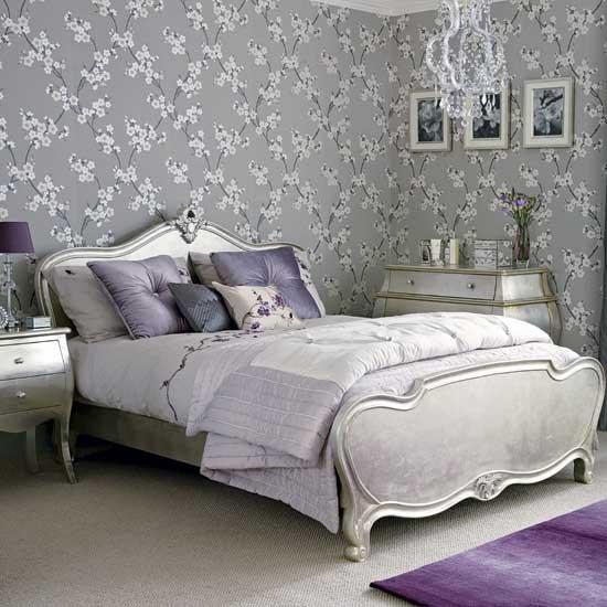 غرفة نوم باللون الفضي البراق | المرسال