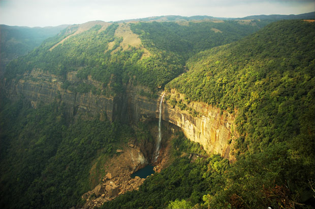 Photo of Nohkalikai Falls, Cherrapunji in India