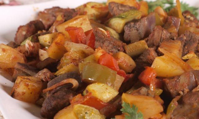 تقديم صينية الخضار بالدجاج او اللحم للرجيم صحية ولذيذة