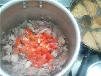 Add-tomatoes.jpg