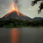 بركان ارينال أحد البراكين النشطة في كوستاريكا