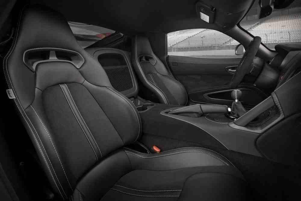 Dodge Viper 2016 Dodge-Viper-ACR-2016-seats.jpg