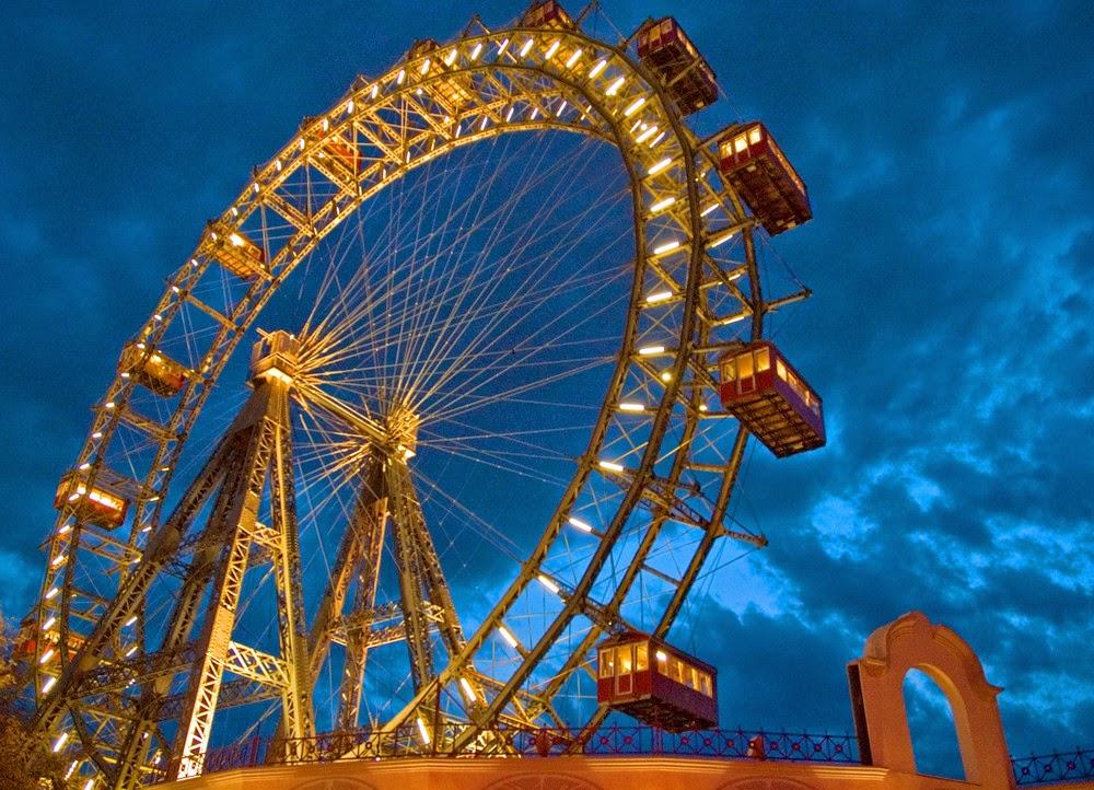 Giant Ferris wheel-
