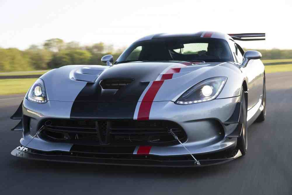 Dodge Viper 2016 Interface-Dodge-Viper-ACR-2016.jpg