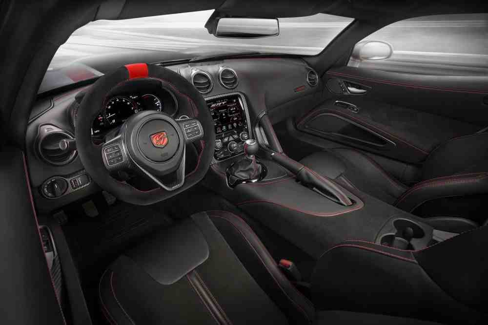 Dodge Viper 2016 Internal-Dodge-Viper-ACR-2016.jpg