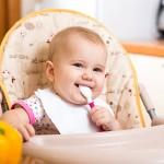 هل يمكن اعطاء العسل للطفل الرضيع