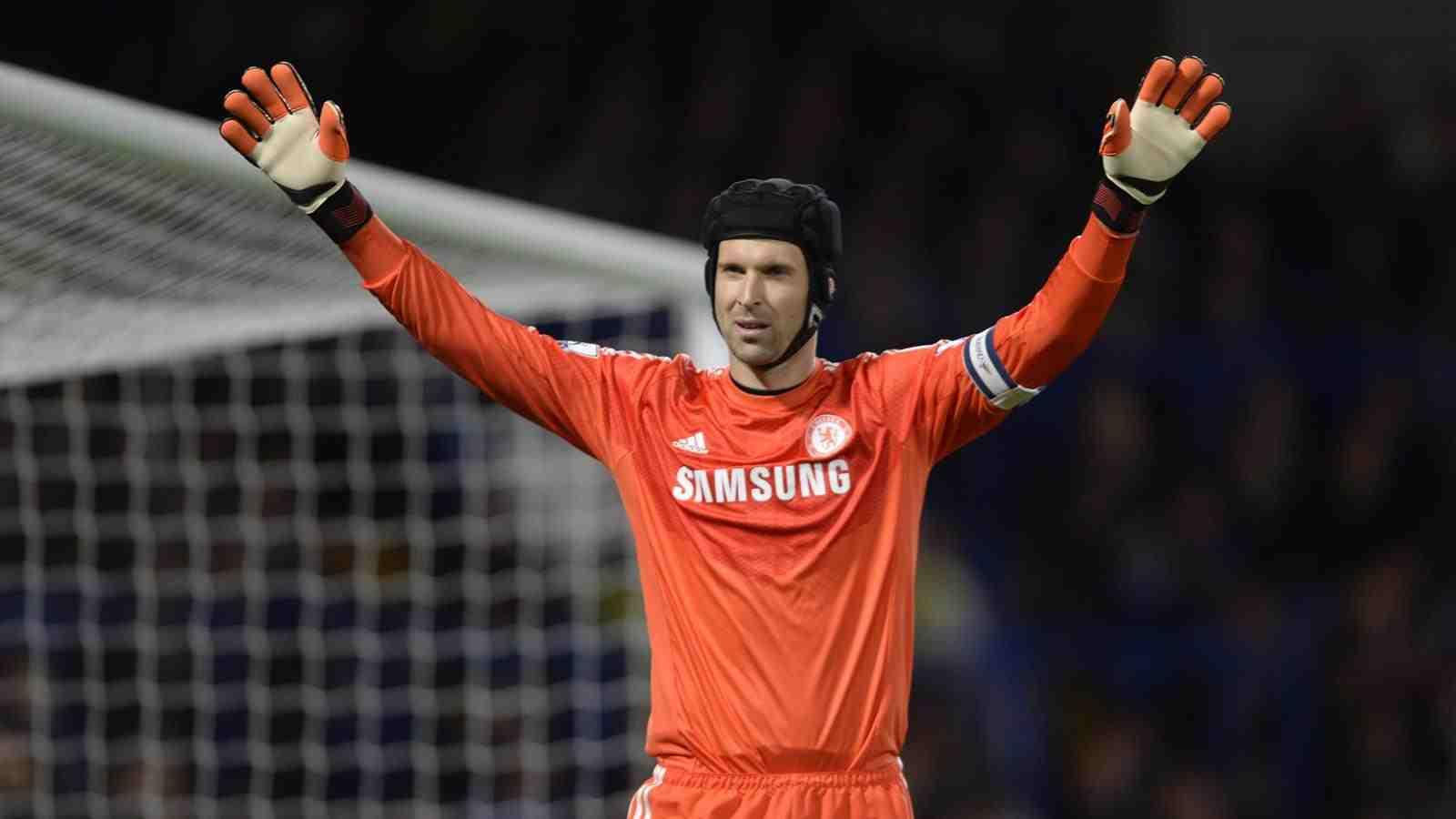 Free HD Chelsea FC Wallpaper: Thibaut Courtois Nike Gloves