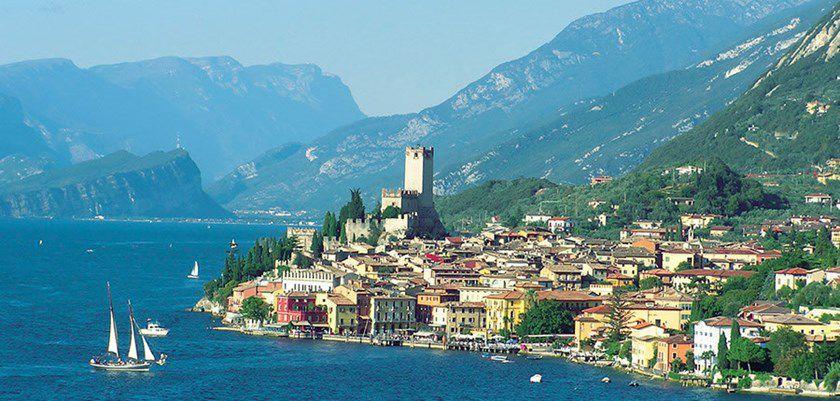 Lake Garda size