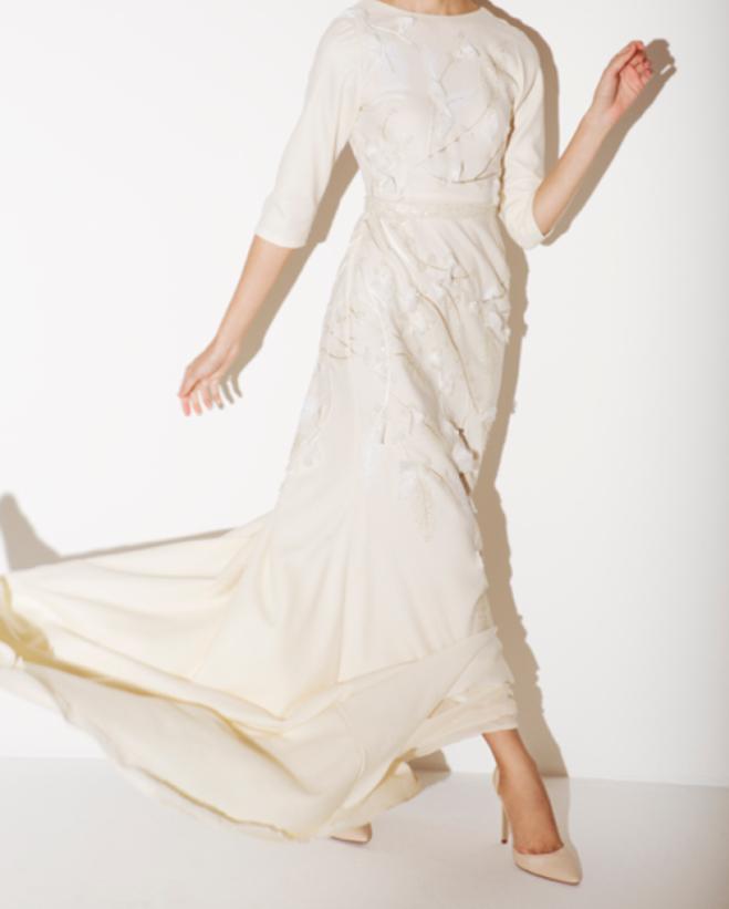فستان أبيض