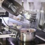 شاهد الروبوت الطاهي يمكنه إعداد أكثر من 2000 طبخة