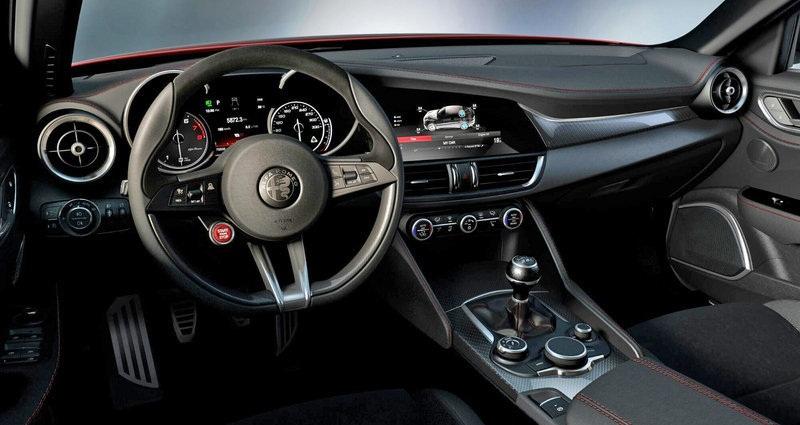 2016 2014,2015 Interior-Alfa-Romeo-