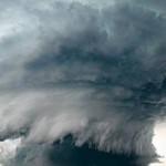 صور و فيديو عن اعصار باتريسيا في المكسيك