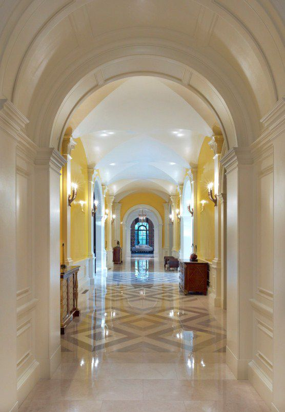 Great ideas for decorations corridor 39 s house for Decorar columnas interiores
