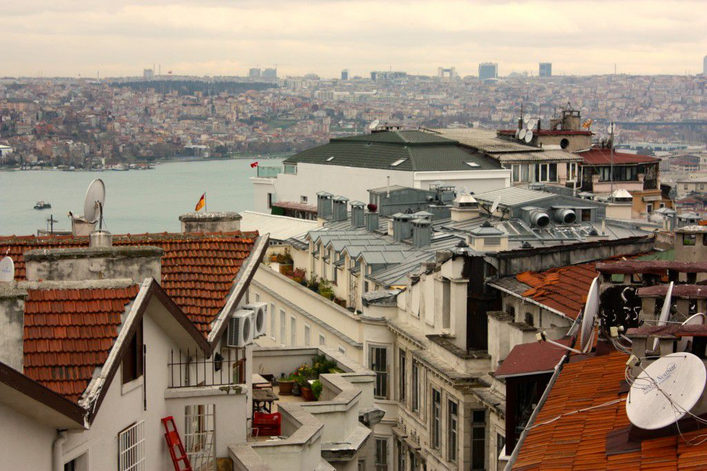 Istanbul the east-west city is struggling to choose
