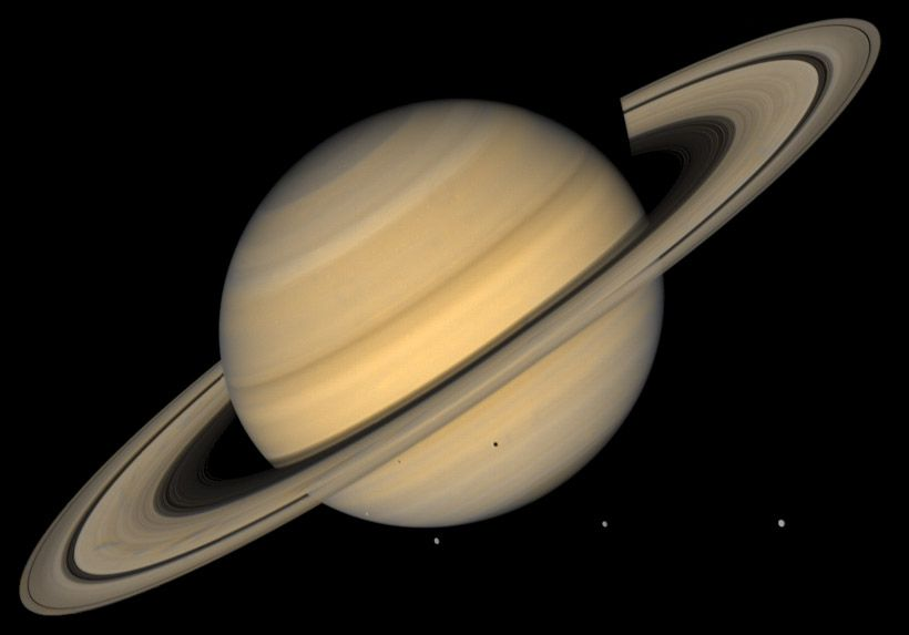 كوكب زحل  Saturns-largest-satellite-Titan-is-a-bit-bigger-than-the-planet-Mercury