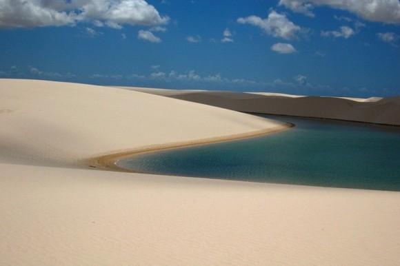 صحراء الرمال البيضاء