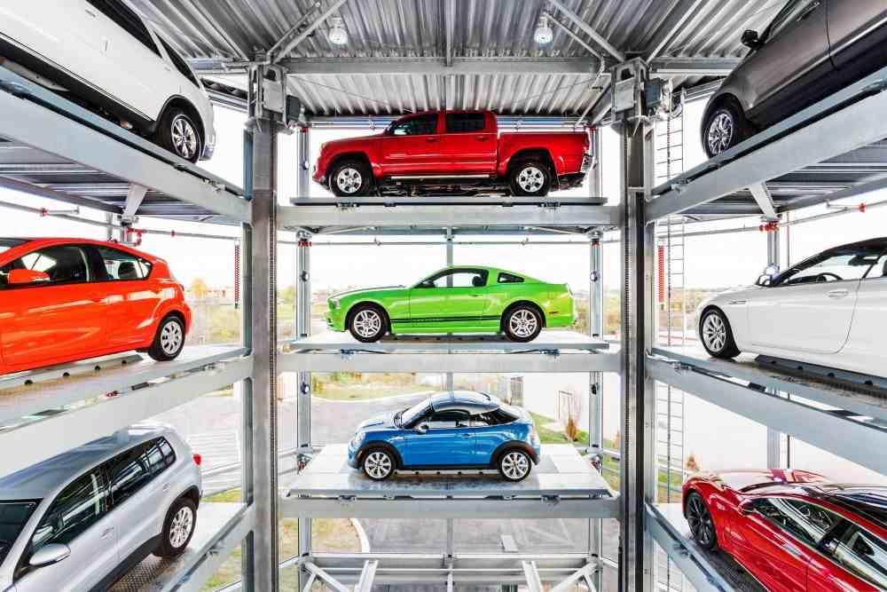 شاهد بالصور أول آلة بيع سيارات مستعملة في العالم المرسال