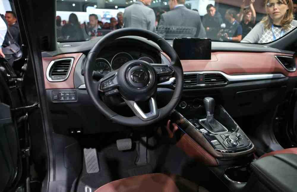 Interior Mazda CX9 2017