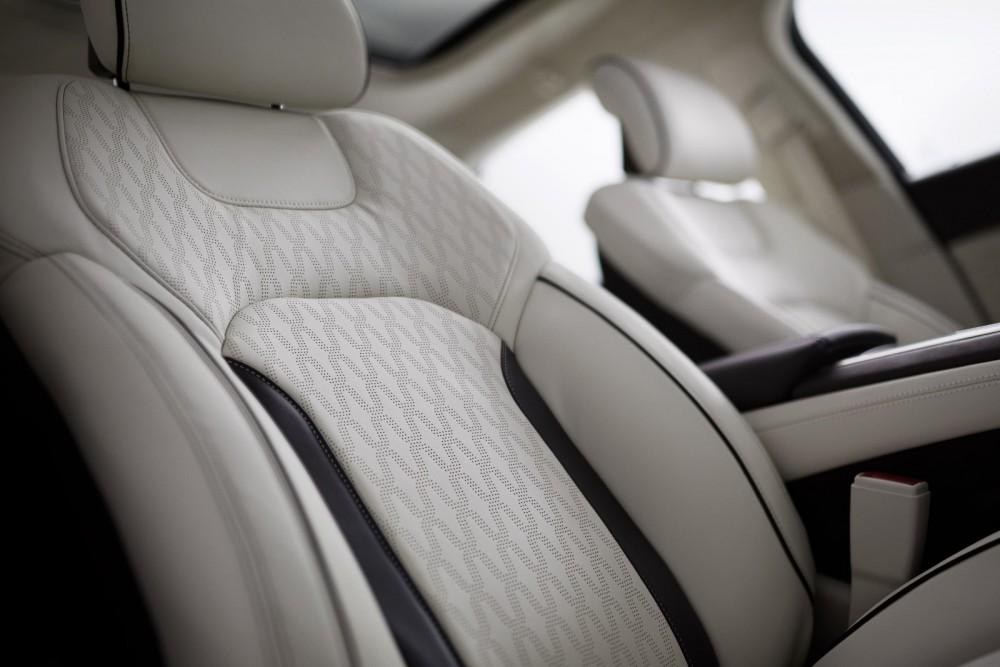 2017 Seats-Lincoln-MKZ-20