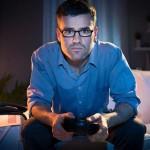 قصص أشخاص أدمنوا ألعاب الفيديو فارتكبوا جرائم قتل
