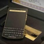 شاهد النسخة الذهبية من BlackBerry Porsche Design P'9983