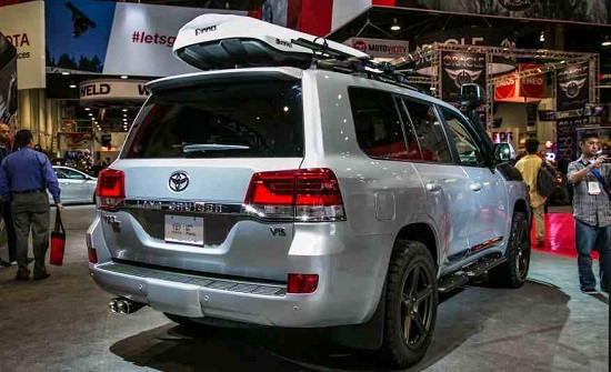 Rear of the car Toyota-Land Cruiser 2016 TRD