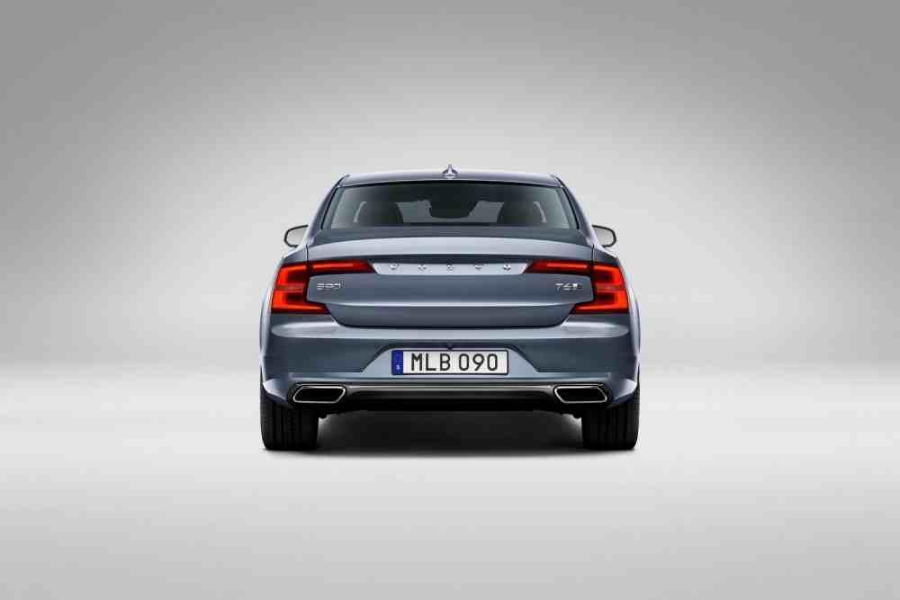 التصميم الخلفي للسيارة فولفو S90 2017