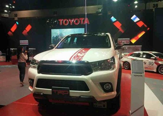 The-new-car-Toyota-Hilux-TRD-2016