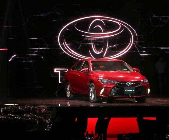 Toyota-Camry-2016