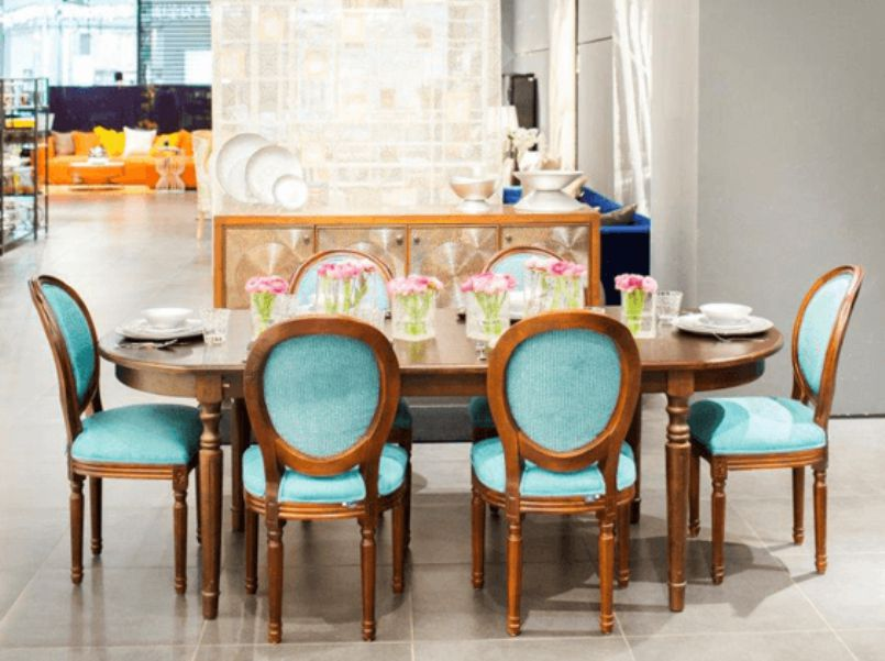 Turquoise in dining chairs