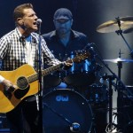 """وفاة عازف الجيتار و مغني فرقة """"Rock Eagles"""" جلين فراي """"Glenn Frey"""""""