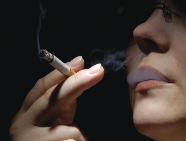 فن شرب السجائر قديما