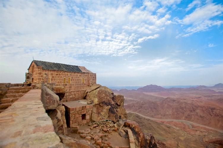أفضل الأماكن السياحية العالم للراحة sant-katrina.jpg