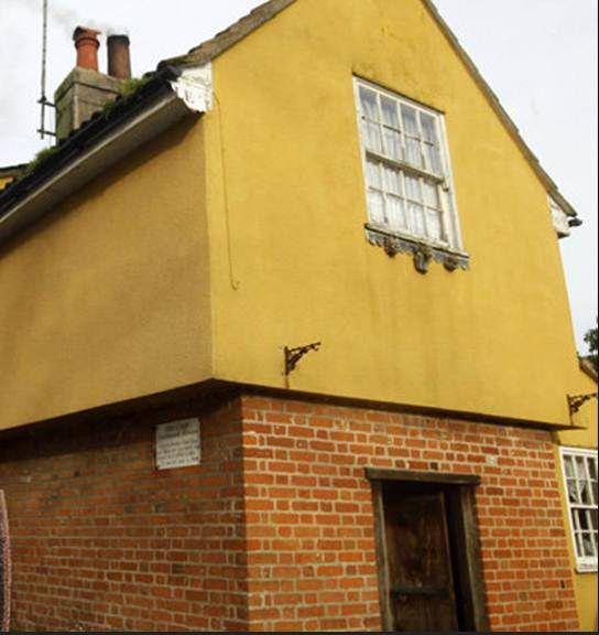 عرض أكثر منزل مسكون بالجن في بريطانيا للبيع المرسال