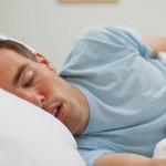 دراسة: التنفس عن طريق الفم خلال النوم يصيب بتسوس الأسنان