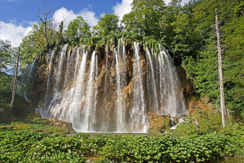 حديقة بليتفيتش الوطنية في كرواتيا بالصور Fabouls-view-in-plitvice-lakes