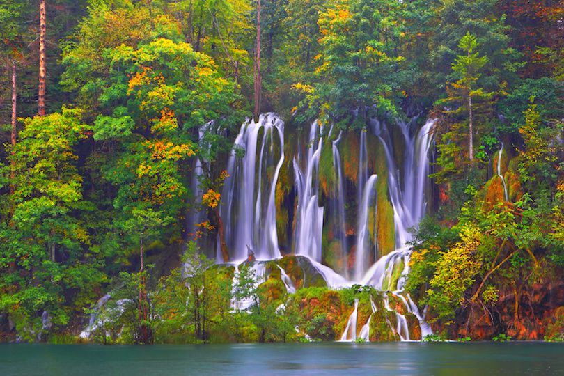 حديقة بليتفيتش الوطنية في كرواتيا بالصور The-Plitvice-Lakes-National-Park-Croatias