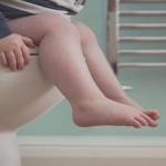 كيف تخلصي طفلك من لبس الحفاض و التدريب على استخدام المرحاض