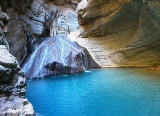 صخرة Moola Chotok