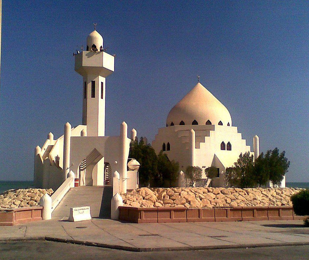 مسجد في منطقة الكورنيش في الخبر