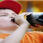 """دراسة طبية: تناول """" المشروبات الغازية"""" يزيد من عدوانية الطفل"""