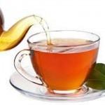 دراسة أمريكية : كوب من الشاي يحميك من الجلطة الدماغية