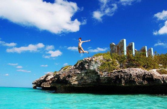 أفضل شواطئ العالم للسباحين coba.jpg